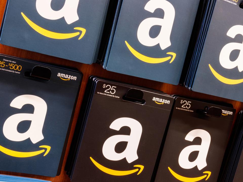 Amazon従業員によるアドレス漏洩、お詫びは5ドルや100ドルのギフトカード。金額がバラバラ…