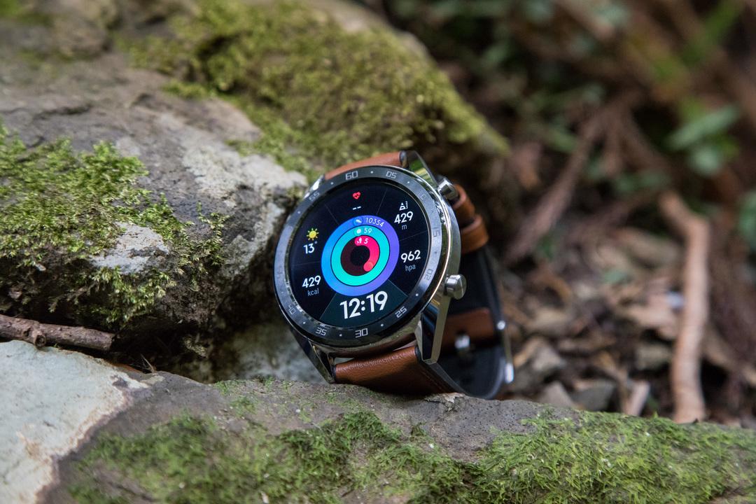 スポーツウォッチと腕時計のいいとこどり。バッテリー持ち2週間のGPSスマートウォッチ「HUAWEI WATCH GT」