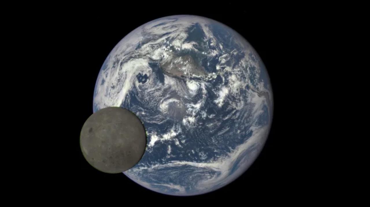 はじめて月の裏面へ!中国の探査機「嫦娥4号」飛び立つ