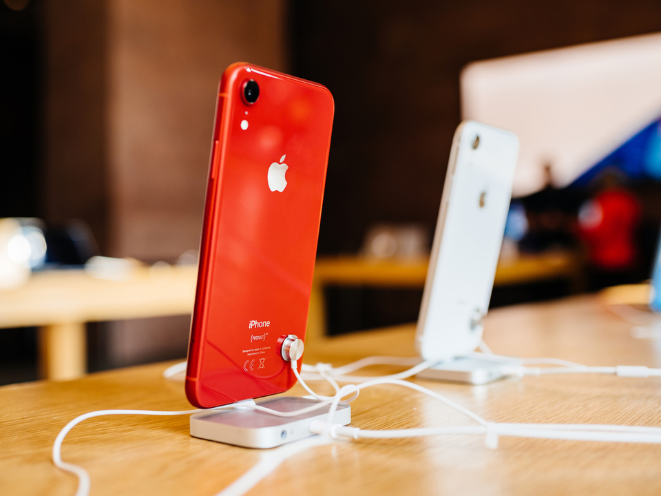 iPhone XR、シングルカメラスマホとしてトップスコアをマーク