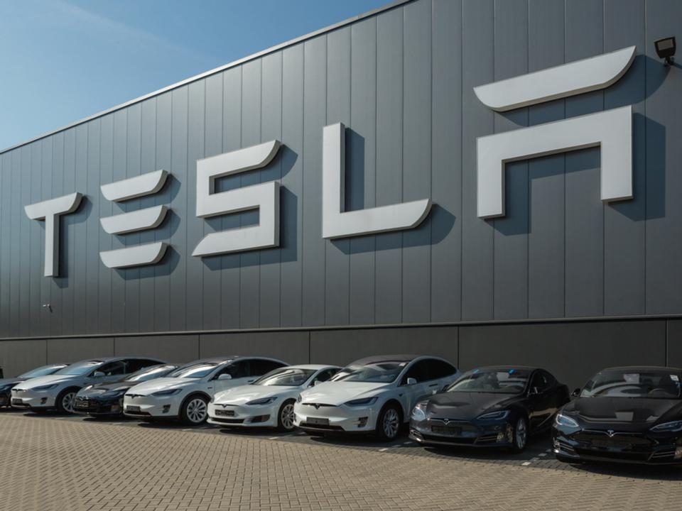 Teslaの社名、元は「ファラデー」が候補だった