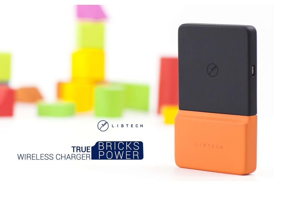 これぞスマホ充電の新しい形?ナノ吸引技術でスマホに「くっつく」モバイルバッテリー「BricksPower」