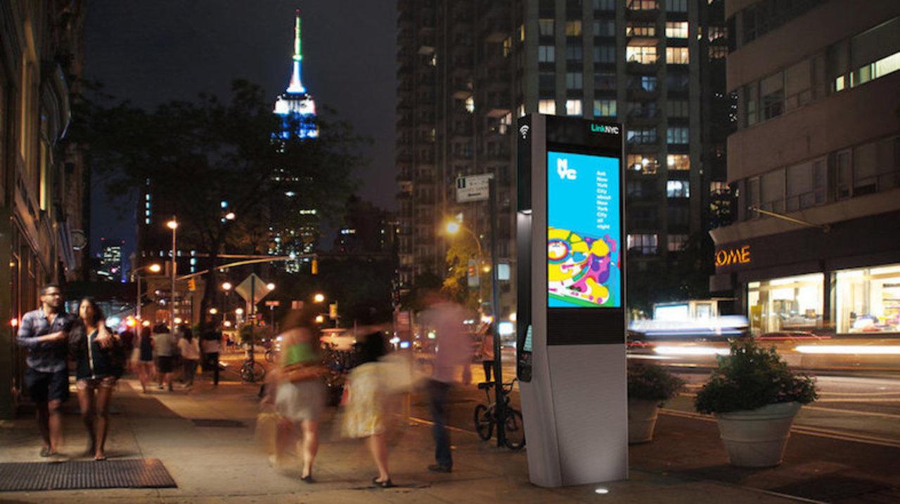 現代の怪談話=テクノロジ。不気味な童謡がニューヨークの街に夜な夜な鳴り響く