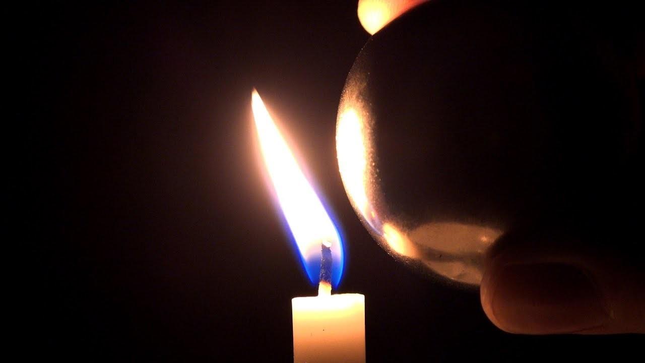 炎が磁石の影響を受けるって知ってました?