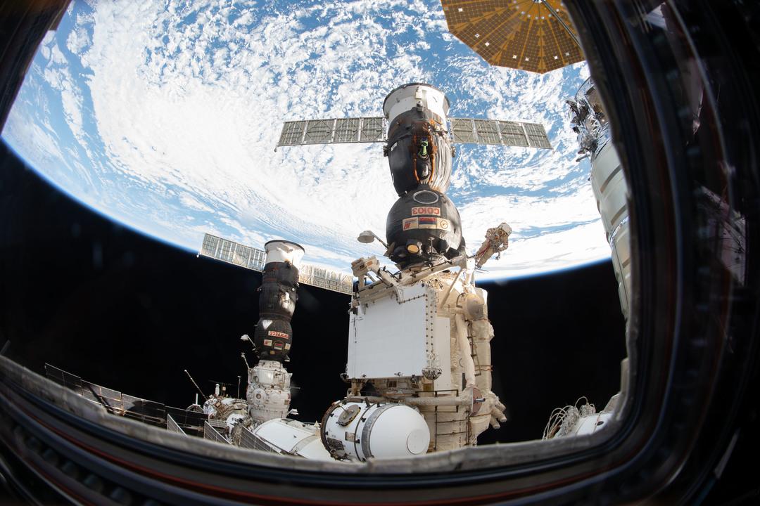 ソユーズで見つかった小さな穴は「内側」から開けられた。じゃあ、一体誰が…?
