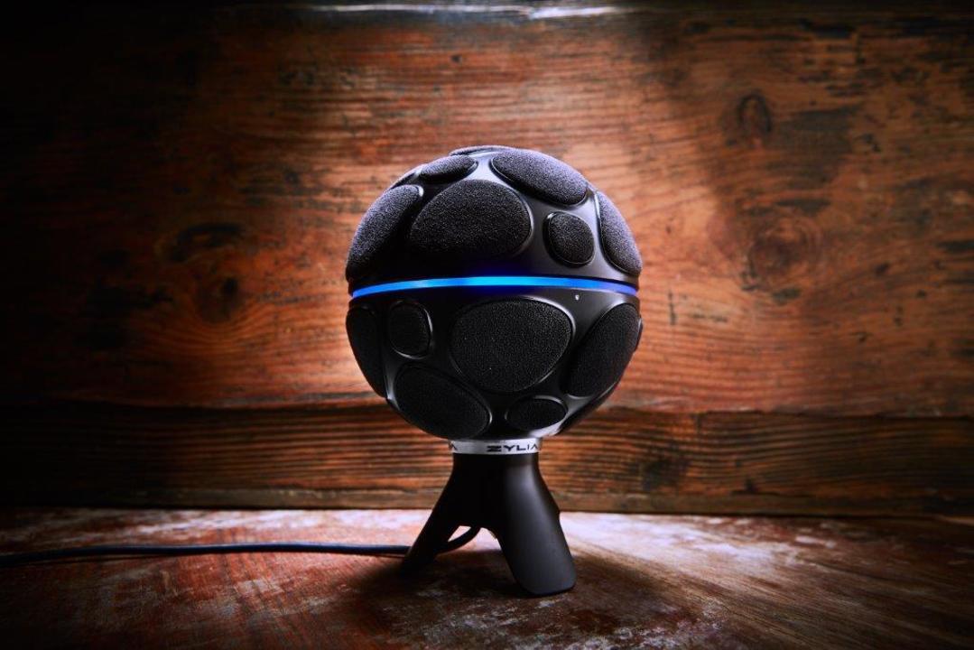 サッカーボールみたいなこのマイク一本で、マルチトラック録音ができるって本当?