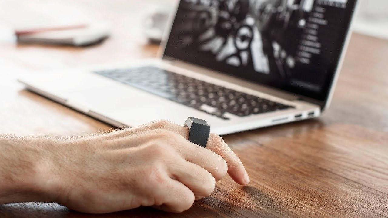 もうマウスは要らない! コンピューターを操る指輪「Padrone Ring」