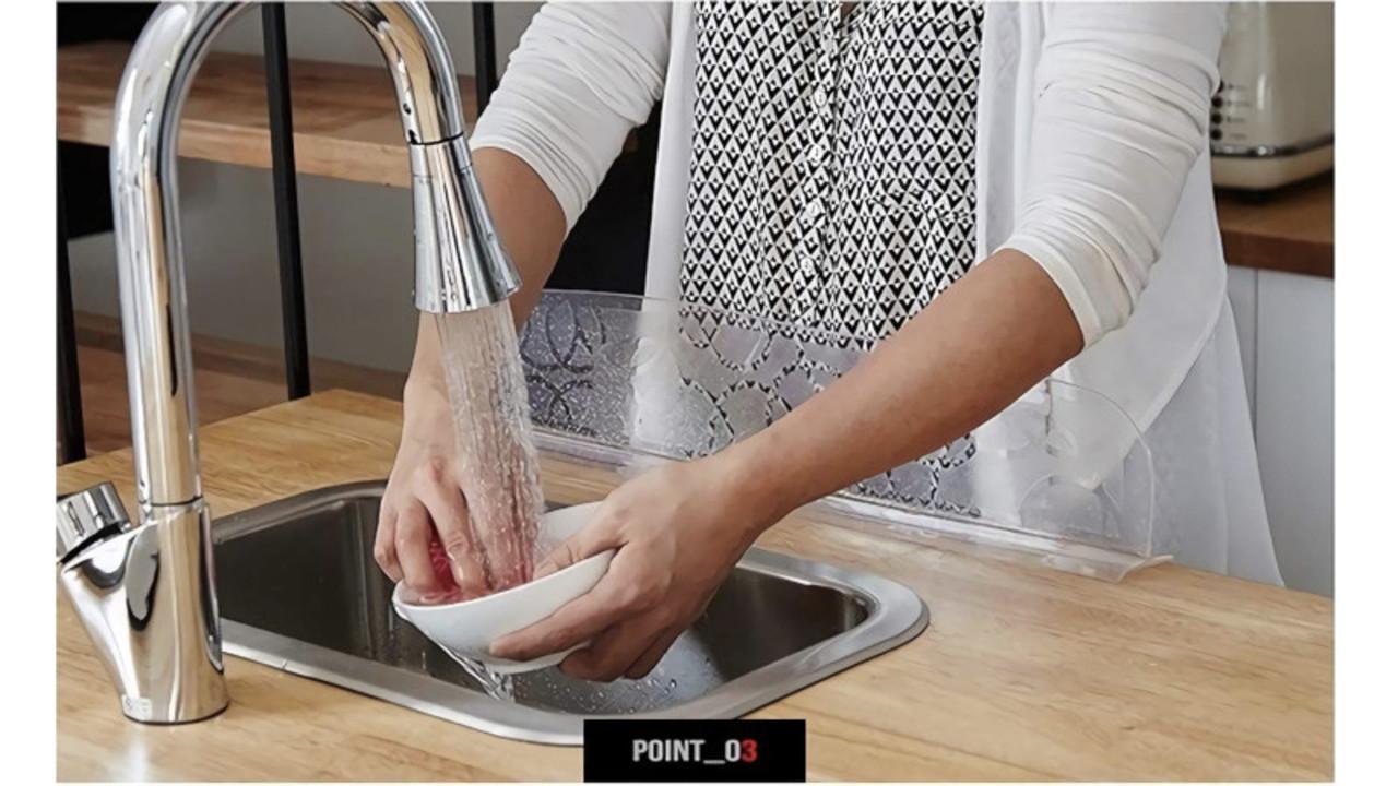 もう洗い物で洋服や床を濡らさない! デザイン性も機能性も兼ね揃えてた水はね防止プレート