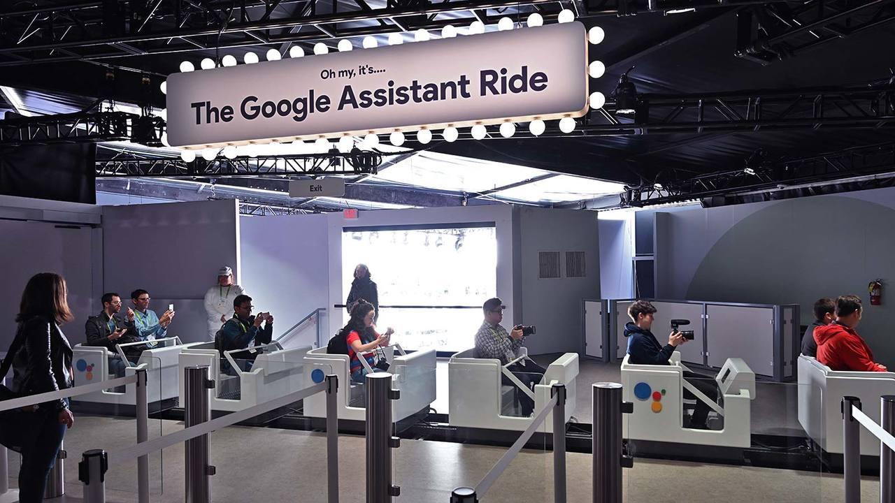 ローラーコースターに乗ってズバッと登場。Googleアシスタントの新機能たち #CES2019