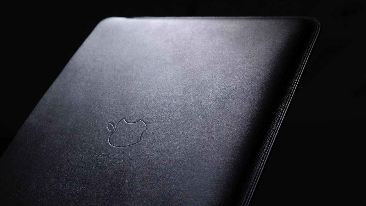 【プレゼント・モード】Apple純正 MacBookレザーケース