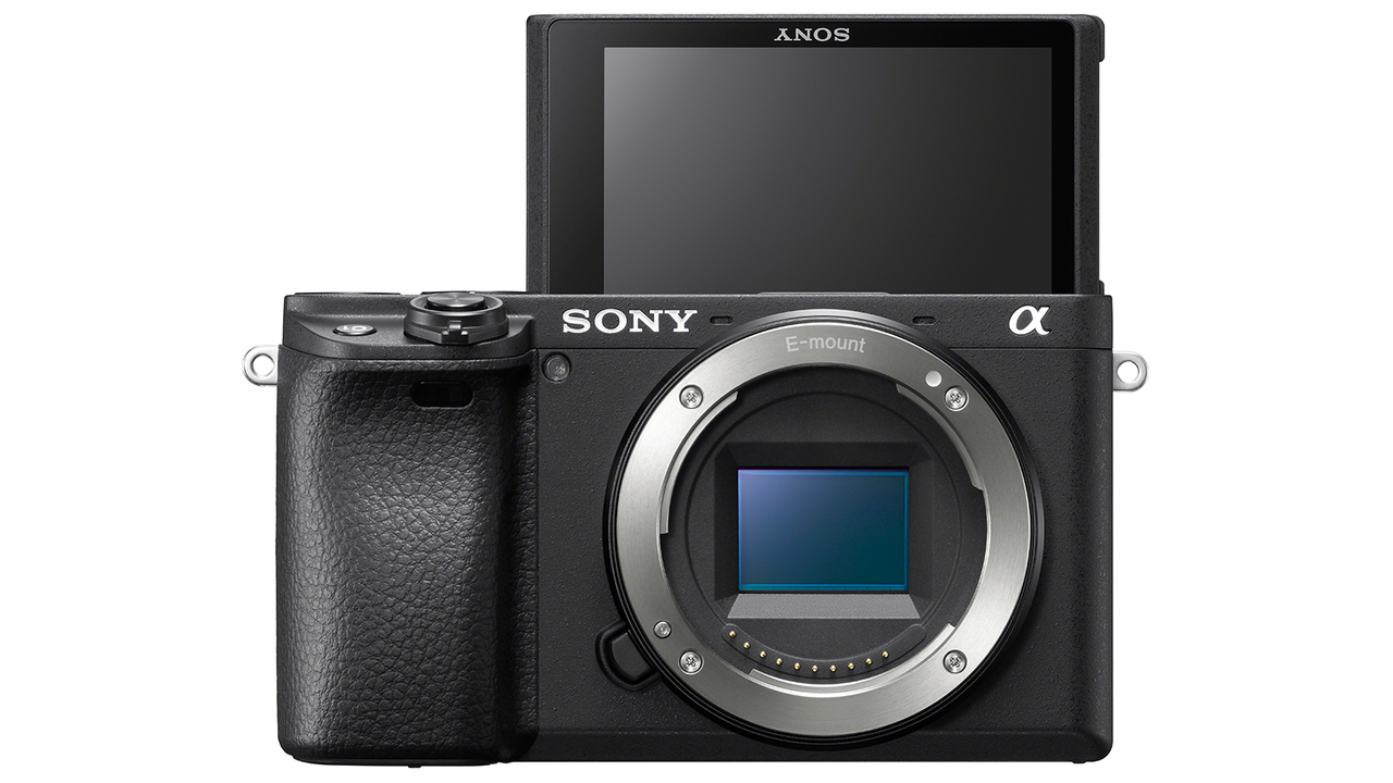 久しぶりのソニーAPS-C。小型な動画カメラが欲しい人向け「α6400」が発表