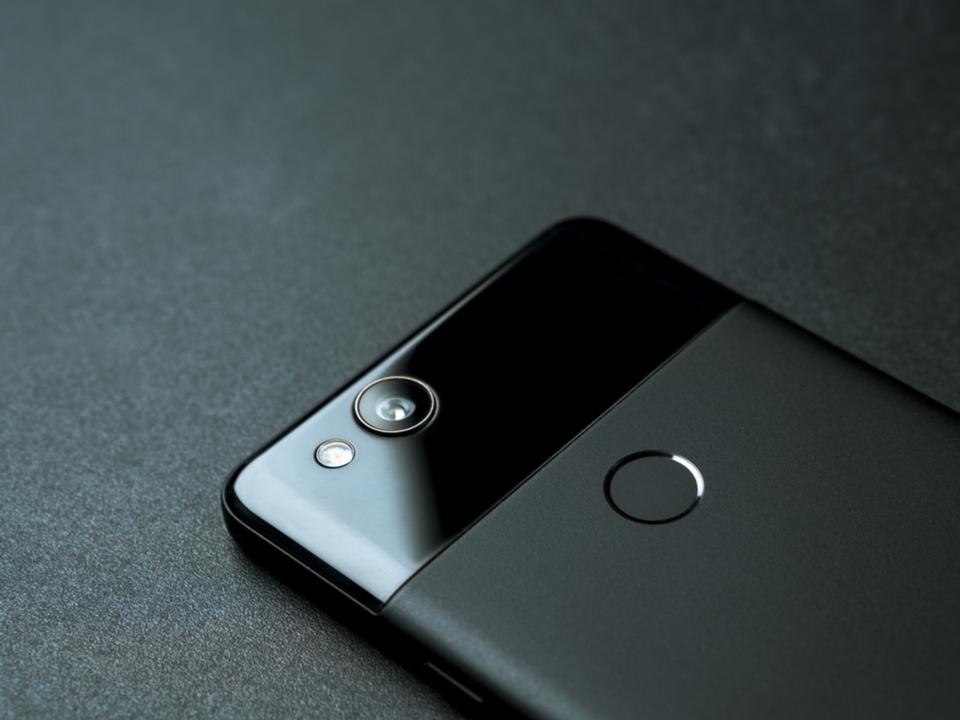 より黒く。新OS「Android Q」の流出データからダークモードや新プライバシー設定が判明?