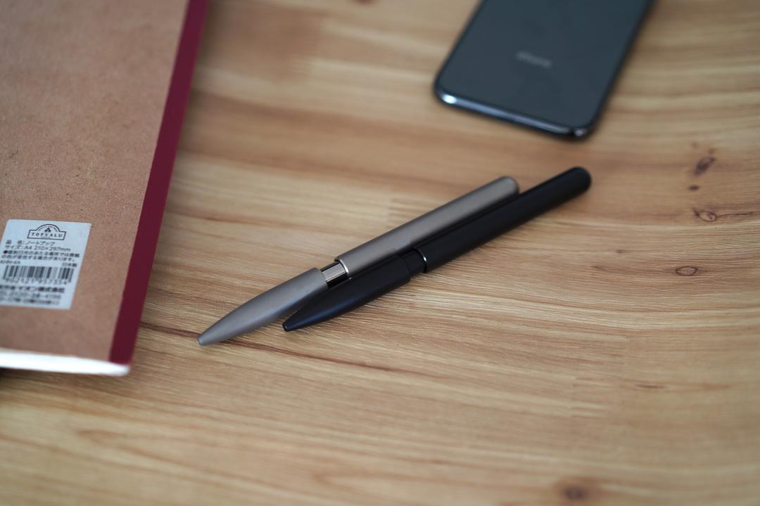 一生使える理由は? チタンから削り出したボールペン「KOSMOS Titan」を使ってみた