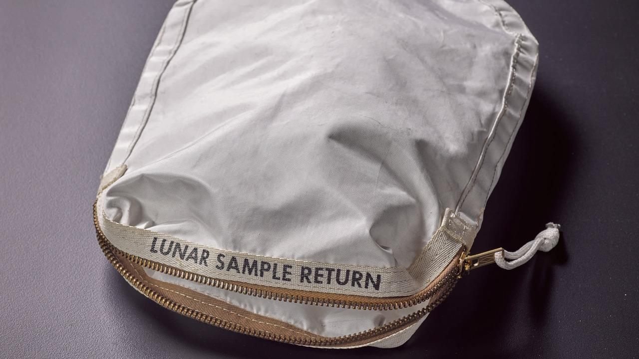 NASAが紛失した月面サンプル用カバンを180万ドルで販売した女性、「NASAが破損させたから値段が下がった」と訴える