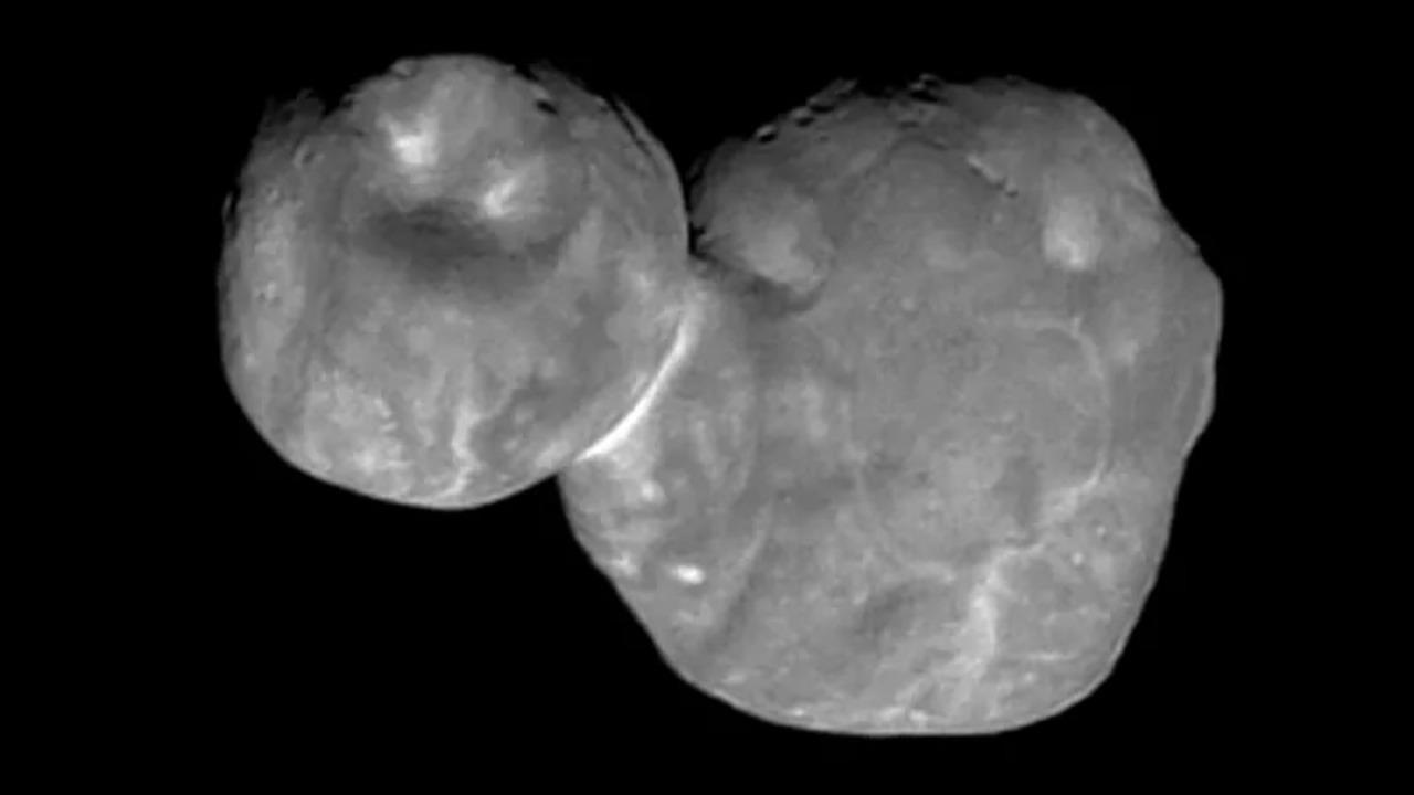 太陽系の端っこにある宇宙雪だるま、クッキリとした写真が届く