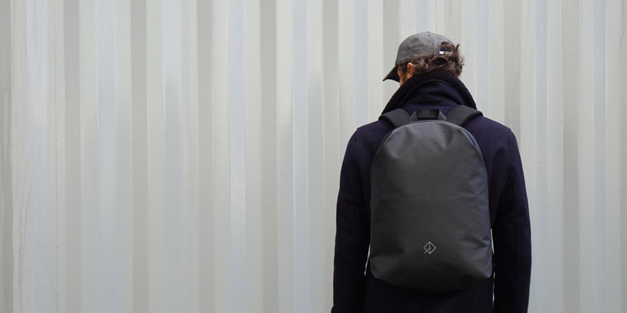 セキュリティ機能をもつ都会派バッグパックが登場。ベルギー発のブランド「WEXLEY」をチェックしよう!