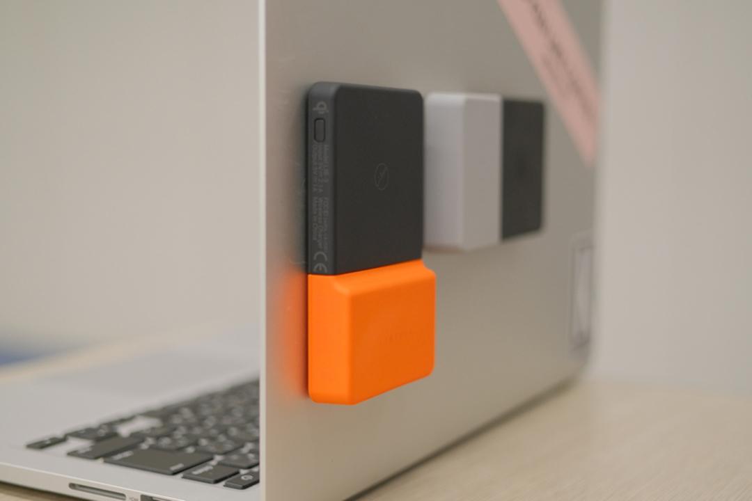 くっつく姿を愛でよう。ワイヤレス対応のモバイルバッテリー「Brickspower」の吸着力に迫ってみた