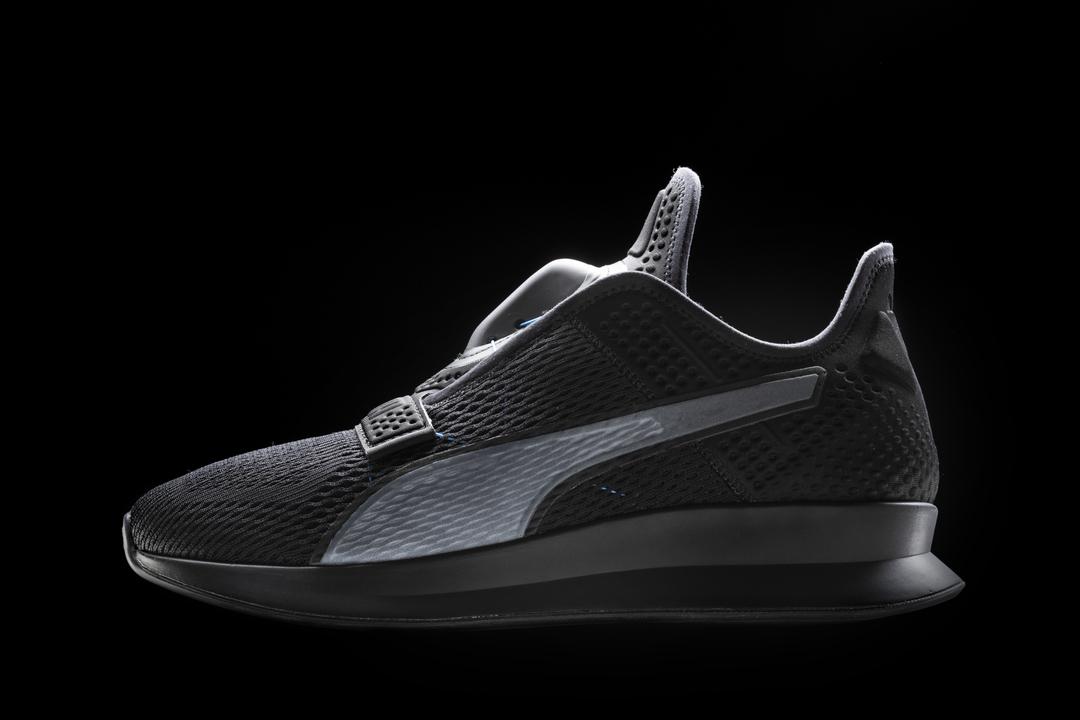 Pumaも自動靴ひもスニーカーを2020年にリリース! 撫でてキュッ、アプリでキュッ