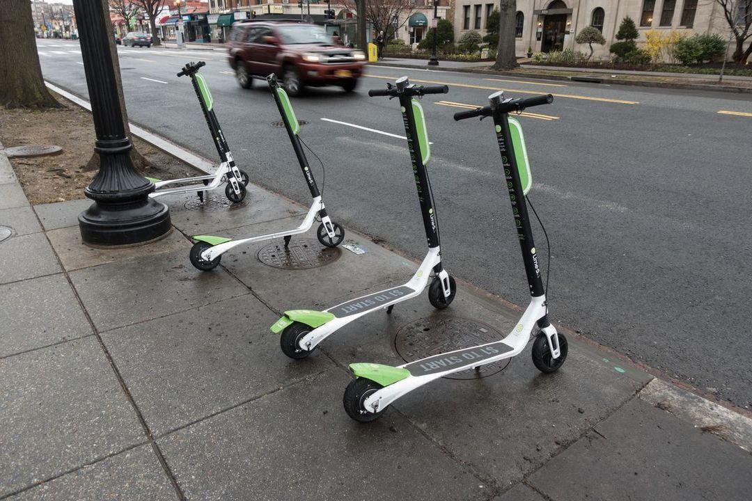 アメリカでは2017年からeスクーターで1,500人以上が怪我をしている