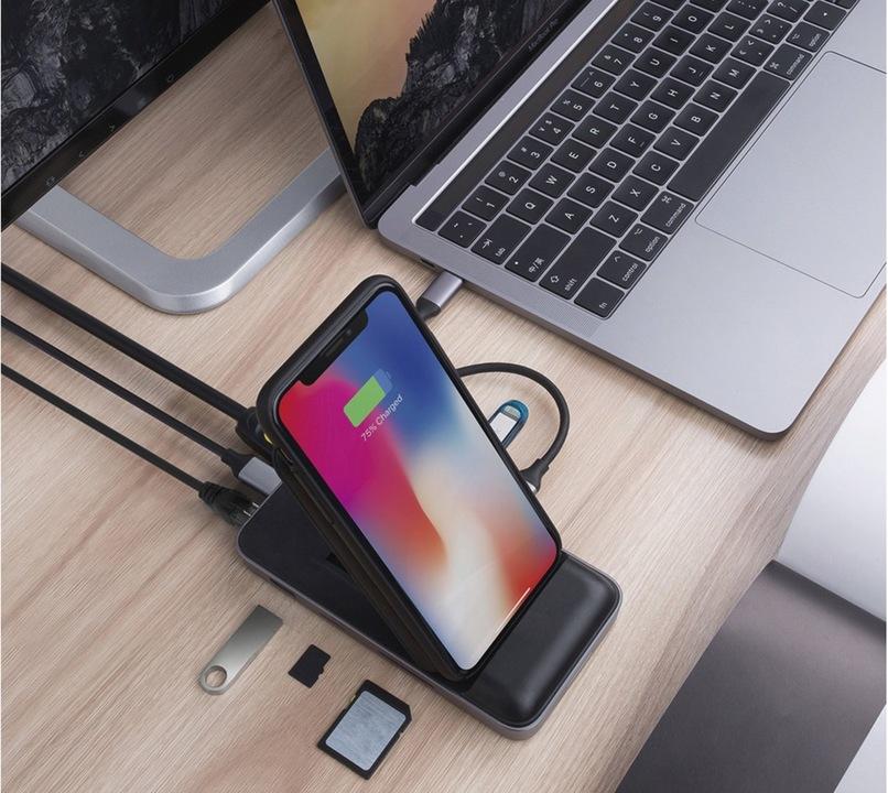 USB-Cハブの完全体。8つの拡張ポート+Qi充電に対応してます