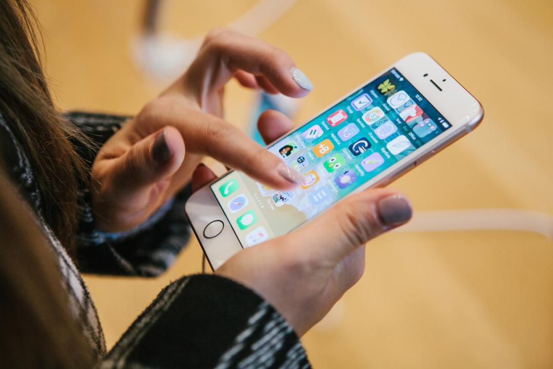 iPhoneの買い替えサイクル、3年からさらに伸びてる?