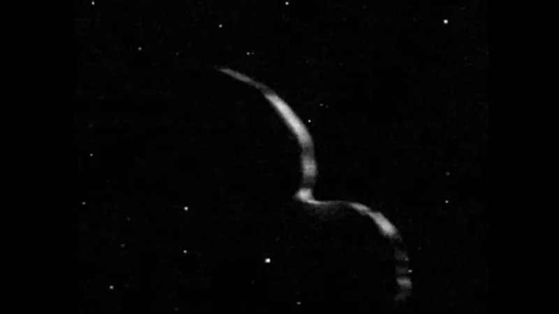 宇宙の雪だるま「ウルティマ・トゥーレ」はどら焼き型だった?