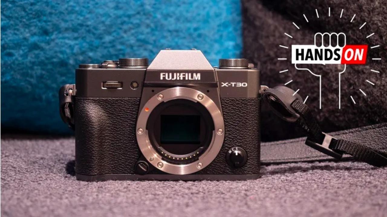 FUJIFILM X-T30ハンズオン:約11万円ながら「ゴージャスな」ミラーレスカメラ