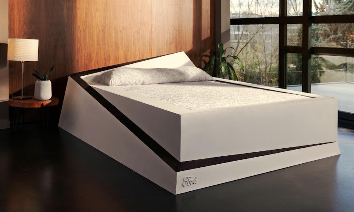 ベルトコンベア搭載ベッドで夫婦仲がよくなる?