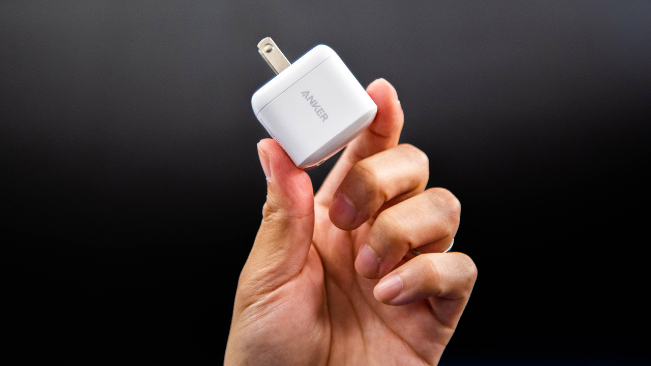 Ankerの新しい充電器が、超小さいんですけどー!