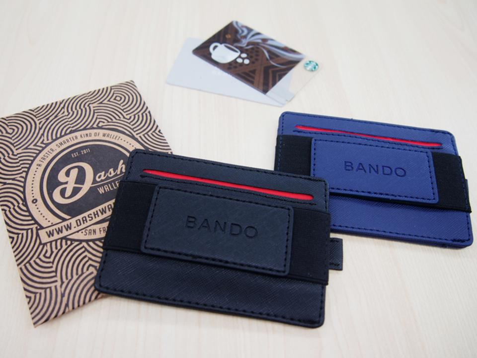 最大15枚もカードを収納できる省設計ウォレット「BANDO」を使ってみた