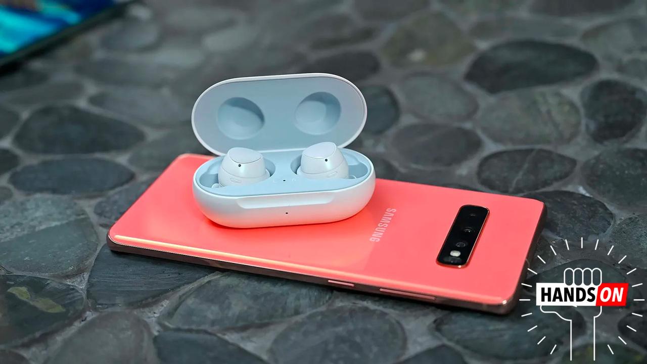 AirPodsを越えてる気がする:Samsungの新完全ワイヤレスイヤホン「Galaxy Buds」ハンズオン