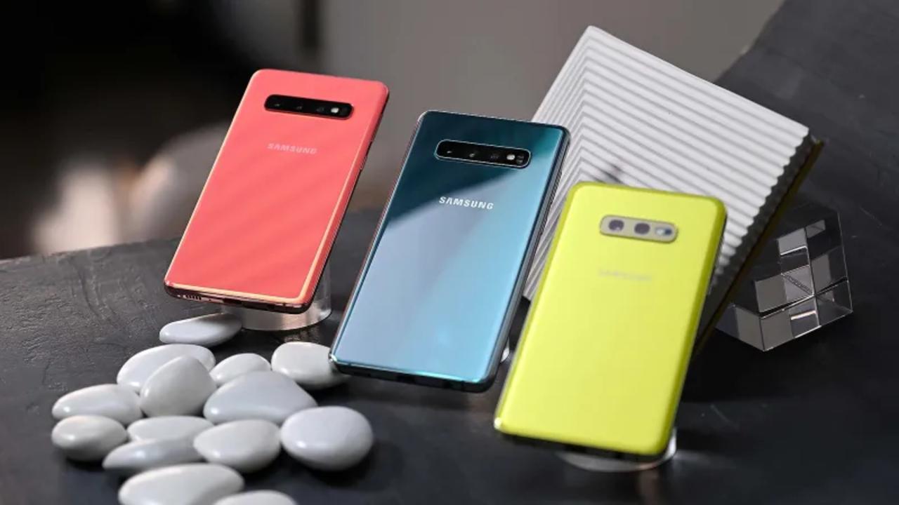 新生Galaxy S10e/S10/S10+!パンチホール、画面指紋認証に逆無線充電でフル盛り #SamsungEvent