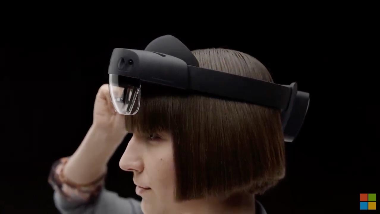 「HoloLens 2」発表! ジェスチャ読み取りの精度にビビる