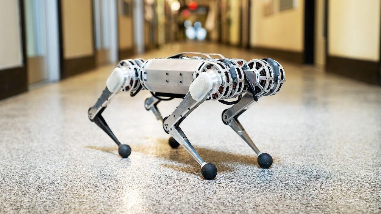 クルッ、シュッタッ。MITの四脚歩行ロボ「Mini Cheetah」がバク宙を披露