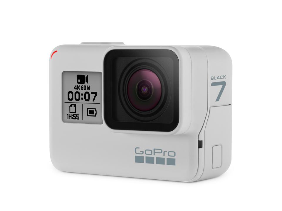 混乱しちゃう。 「GoPro HERO7 Black」の限定カラーがまさかの白!