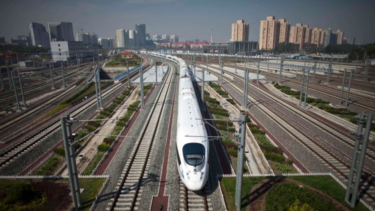 中国の「信用されざる者」。飛行機や電車に乗れない人が数千万いる