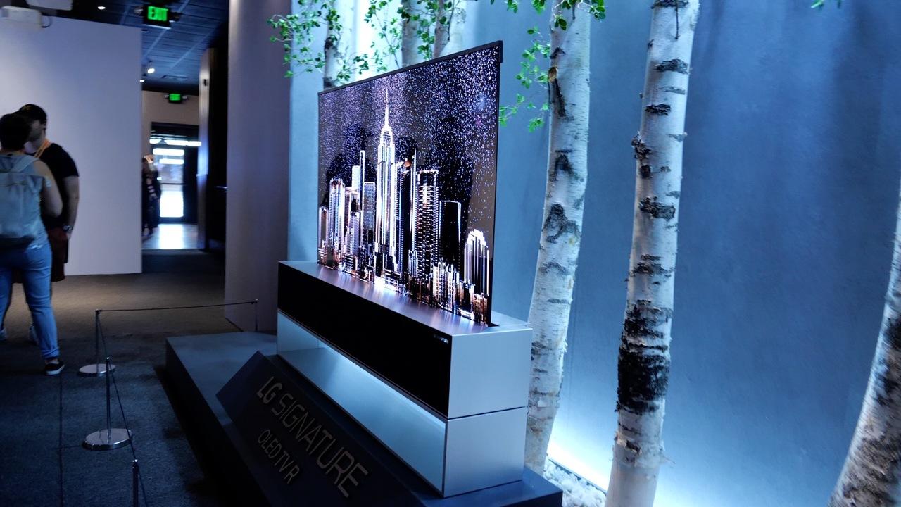 まさかの巻き取りテレビに遭遇! LGの展示は見どころ多! #SXSW2019
