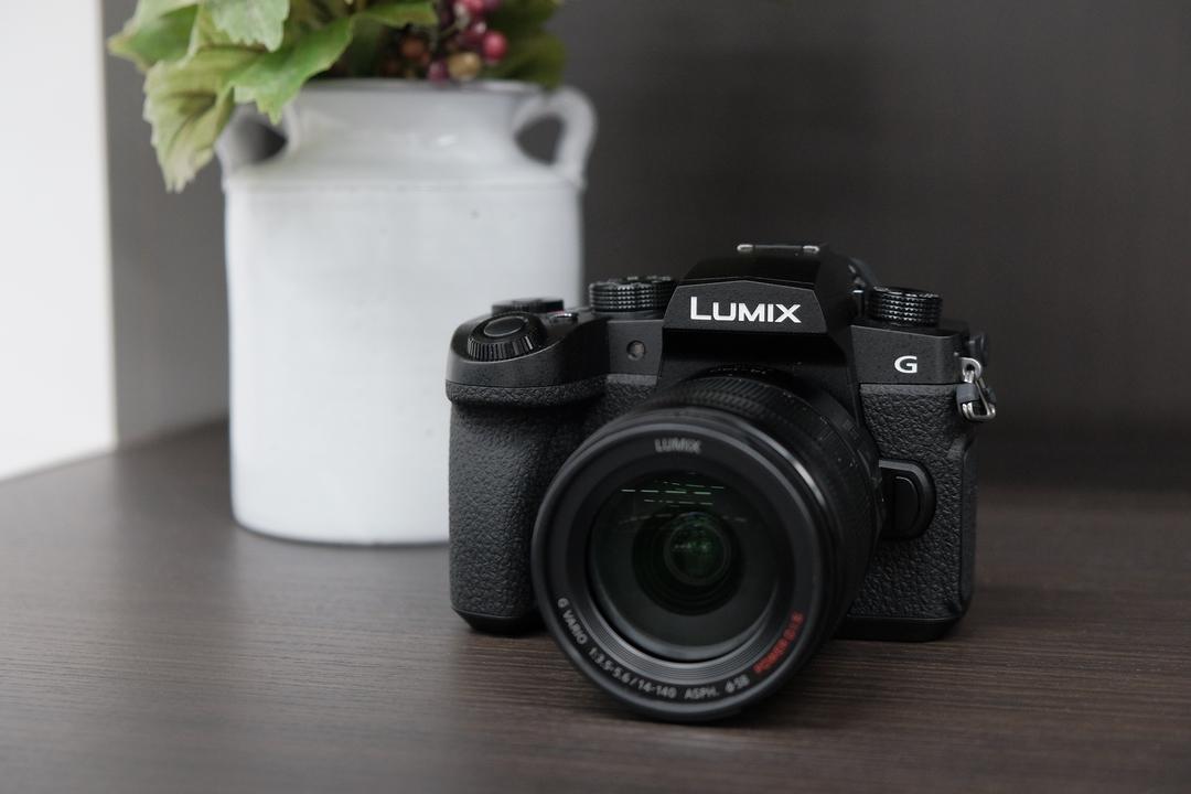 Panasonic 「LUMIX G99」ハンズオン:G9譲り、でも動画も本気で。