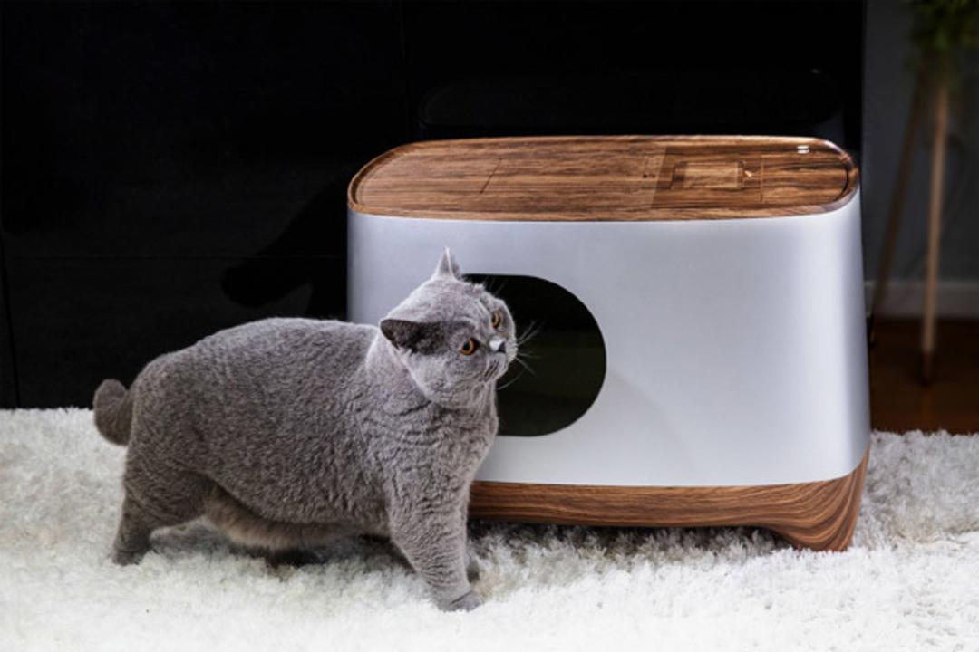 フンを自動で掃除して、終わるとスマホに通達してくれるスマート猫用トイレ「iKuddle」