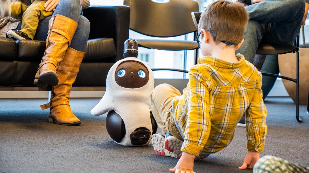LOVOT、自分探しの旅へ。1体30万円の「癒し(だけ)系ロボット」はどこへ向かうのか #SXSW2019