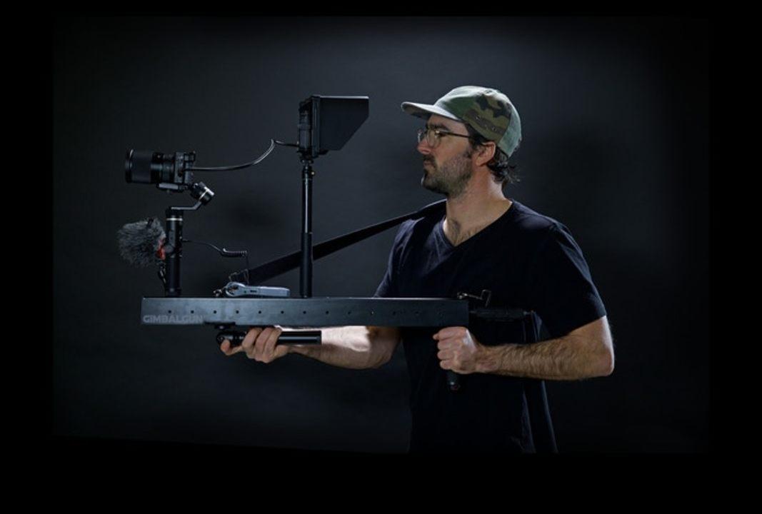 なんだこのスナイパーライフルみたいなカメラジンバルは…! 名前もズバリ「GimbalGun」