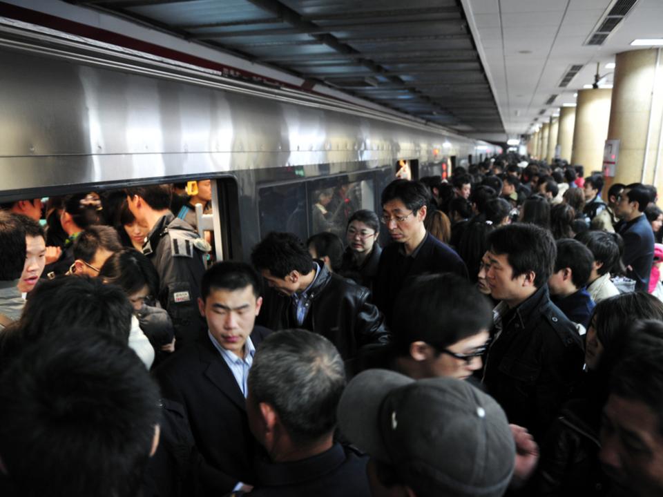 中国発:地下鉄でゴスメイクの女性が乗車拒否→SNSでゴス勢の抗議活動に