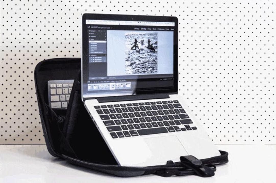 あと2日! 背筋まっすぐ、仕事のベスト環境がサッと整えられるPCバッグ「MOBICASE」