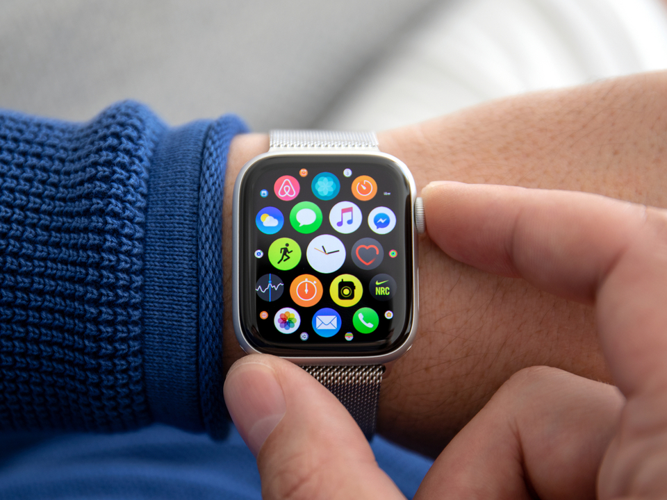 次期Apple Watchにジャパンディスプレイの有機EL画面が…?