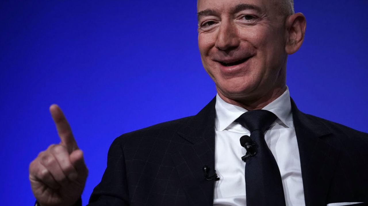 Amazonが3千もの人工衛星から世界中にインターネットを提供する計画が明らかに