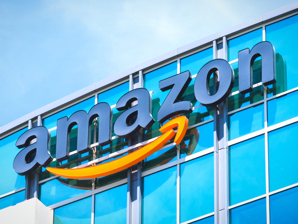 Amazon印のワイヤレスイヤホンが開発中? AirPodsのライバル候補か