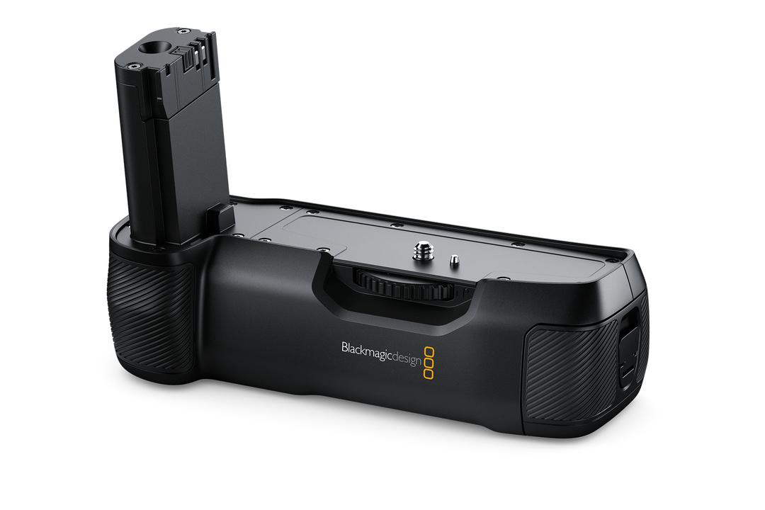 Blackmagic Pocket Cinema Camera 4K用のバッテリーグリップが登場。え、バッテリー変わるの?
