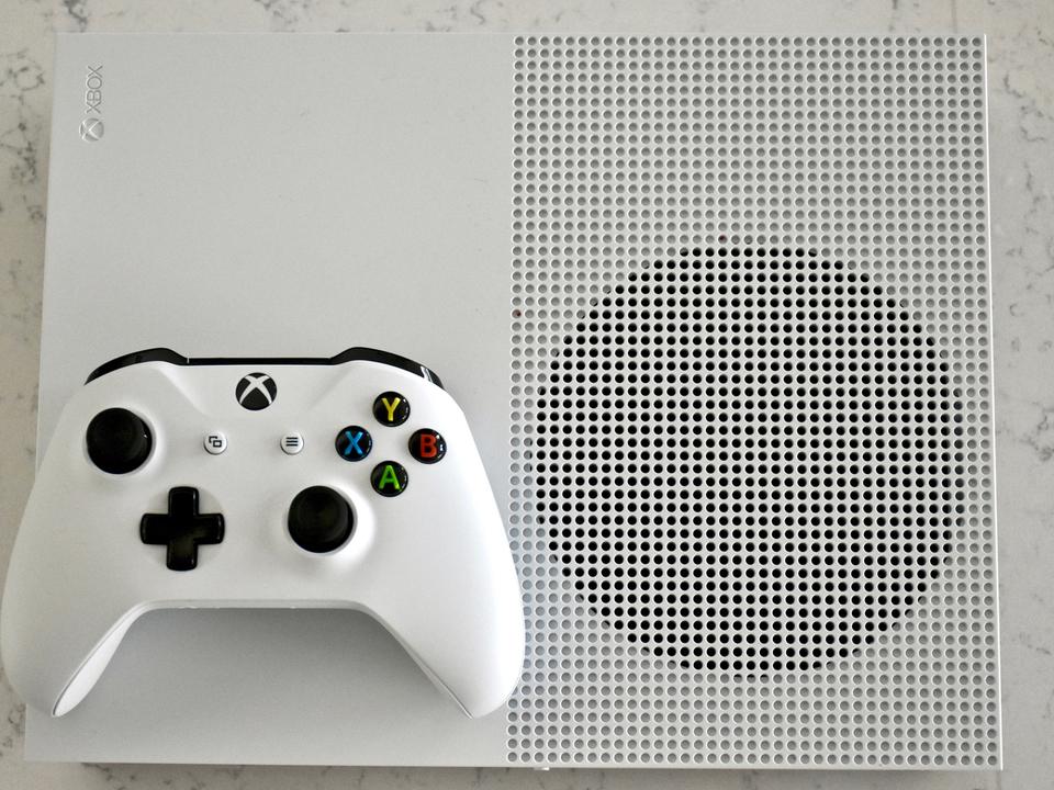 物理メディア、もうなくてもいいんじゃない? Xbox One S All Digitalはディスクレス