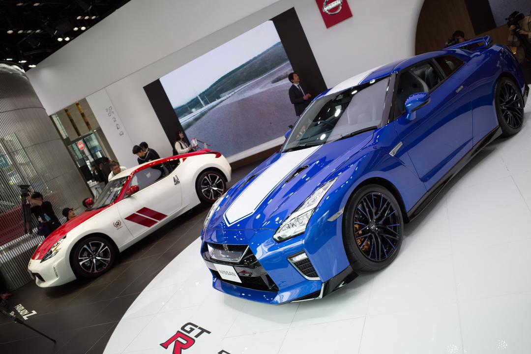 50歳おめでとー! GT-RとフェアレディZの記念カラーがマッシブ一直線