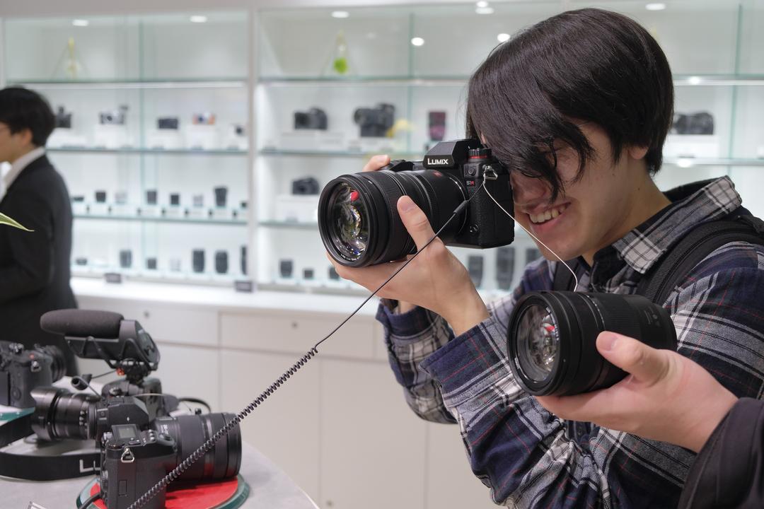 Lの楽園で大はしゃぎ! パナソニックが「LUMIX GINZA TOKYO」をオープン
